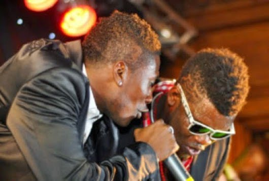 Gyan talks about music career with Castro - VIDEO: Asamoah Gyan talks - music experience with Castro