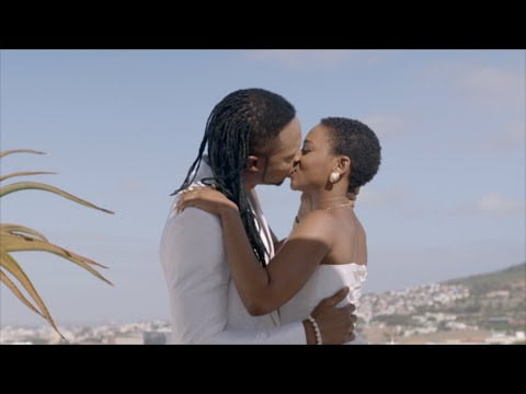 0 18 - ▶vIDEO: Flavour - Ololufe ft. Chidinma (Official Video)