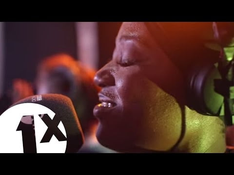 0 2 - ▶Video: Efya Performs  ''One Of Your Own'' on BBC 1Xtra