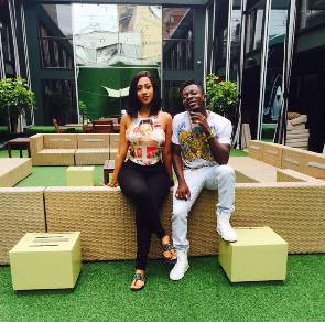 Photo of Hajia 4 Real Does the buying for me - Shatta Wale
