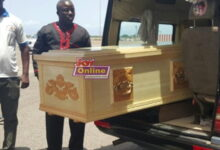 Photo of Remains of the late veteran actor Nii Odoi Mensah arrives in Ghana (Photos)