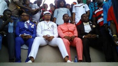 Photo of Obinim arrives with coffin ready to battle Okomfo Appiah (photos)