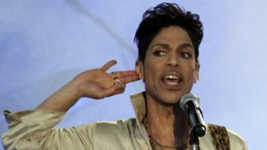 Photo of Detectives question doctor over Prince's death