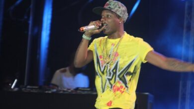 Photo of How Wizkid Smashed and broke a microphone at VGMA sound check
