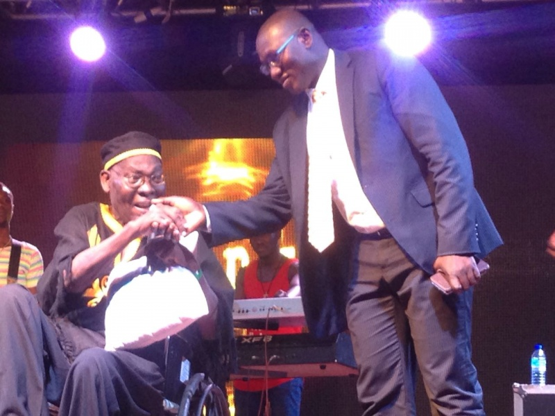 Papa Yankson in wheelchair - Papa Yankson gets Ghc 50k after escaping from his 'sick bed '