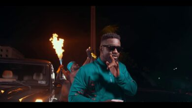 Photo of Sarkodie - Oofeetsɔ ft. Prince Bright [Buk Bak] (Official Video)