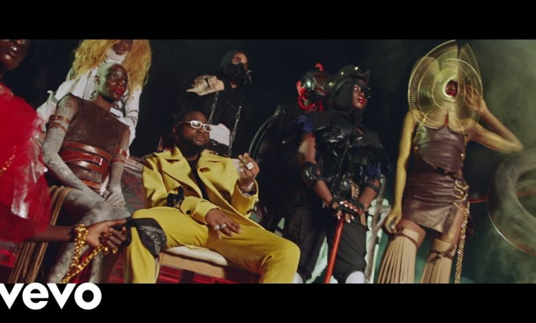Photo of Davido – Sweet in the Middle ft. Wurld, Naira Marley, Zlatan [Video]