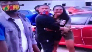Sista Afia remove her heels and attempt fighting Freda Rhymz on Tv3 premises