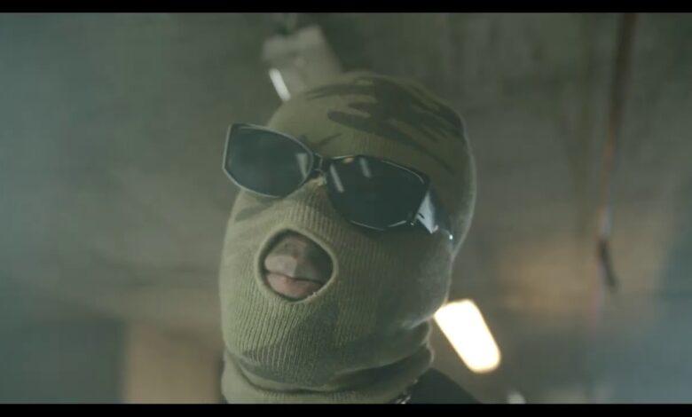 Joey B - Akobam ft. Kofi Mole & Medikal (Official Video)